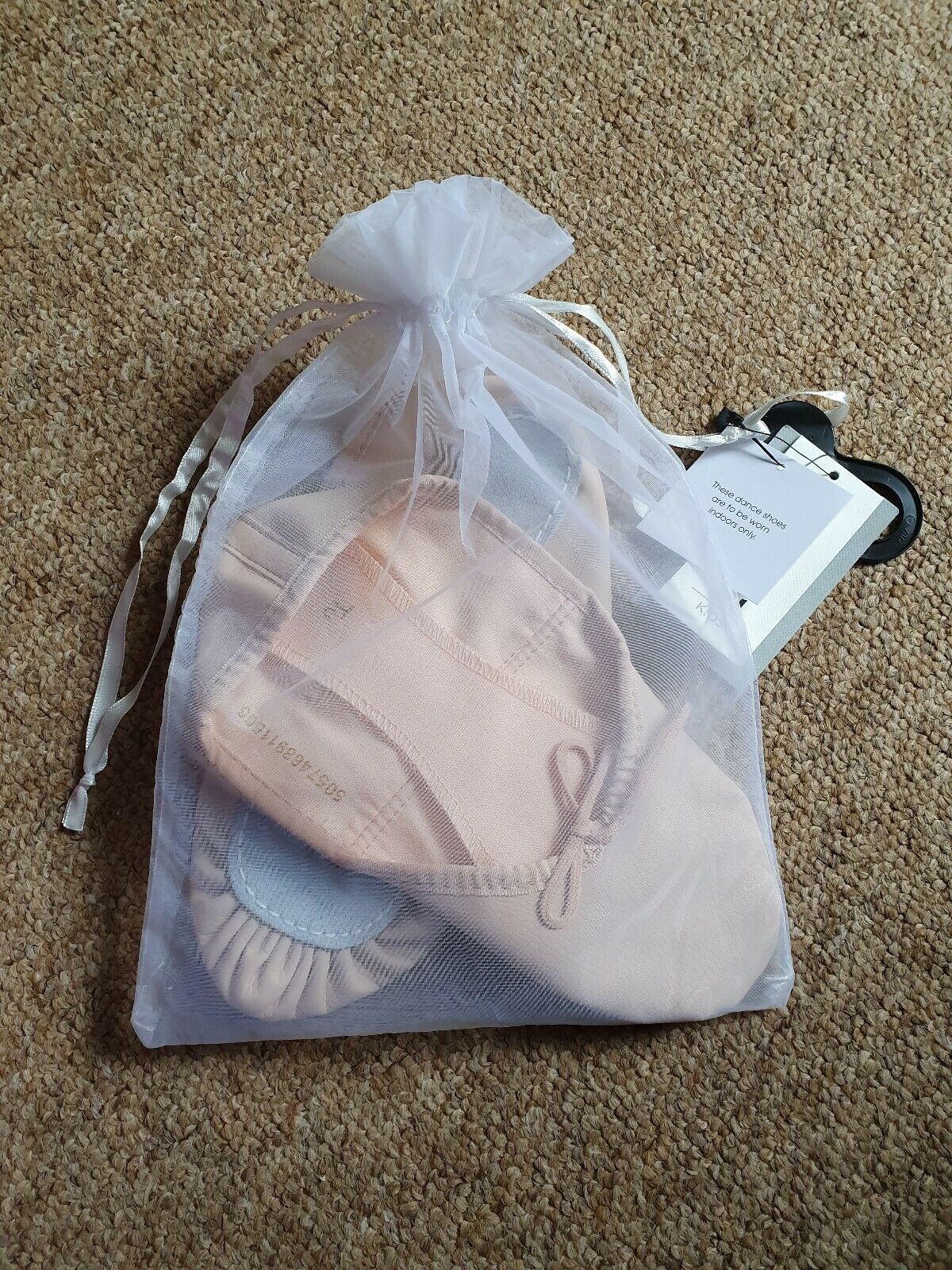 Pink ballet shoes, leather base, comes with elastic & bag, size 4 (youth), New