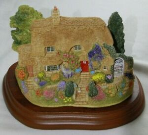 Lilliput-Lane-Sowing-th-Seeds-L2712-complete-with-Deeds-amp-Wooden-Plinth
