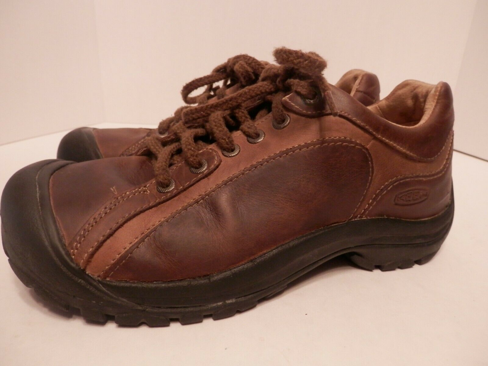 KEEN Brown Leather Lace Up Trail shoes-Mens Size 8.5-EUC-Free Shipping