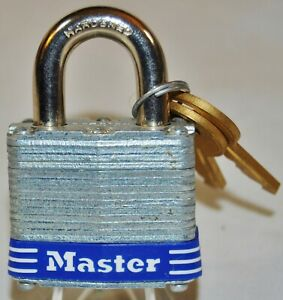 Master-No-3-3D-Laminated-Padlock-3-4-inch-Shackle-1-9-1-New-with-2-keys