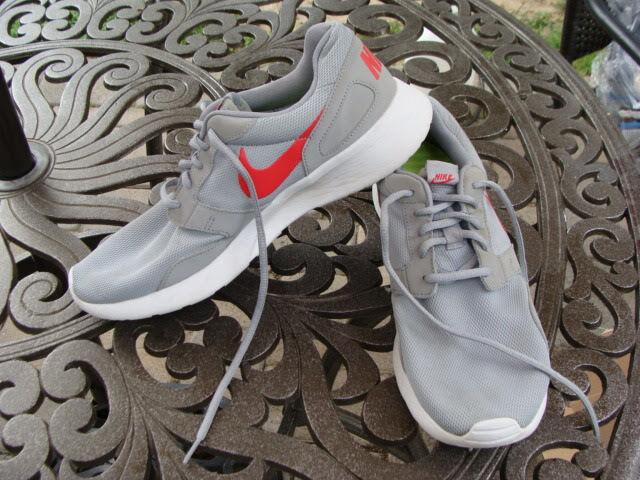 Nike Mens Kaishi Athletic Shoe Grey/Daring Red 654473-060 Comfortable