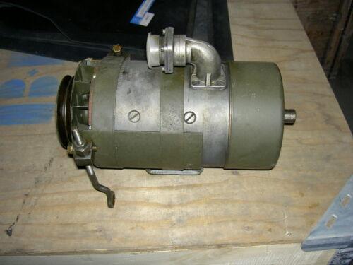 mit Garantie Werksüberholt Lichtmaschine Unimog 404