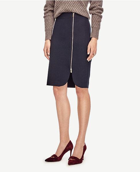 Ann Taylor - Size 8 (MEDIUM) Navy bluee Side Zip Pencil Skirt  98.00 (613)