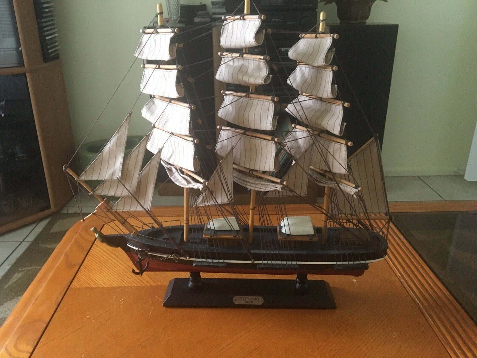 Vintage Wooden Model Cutty Sark 1869 Clipper Ship Home Decor Display 18 x 19 in