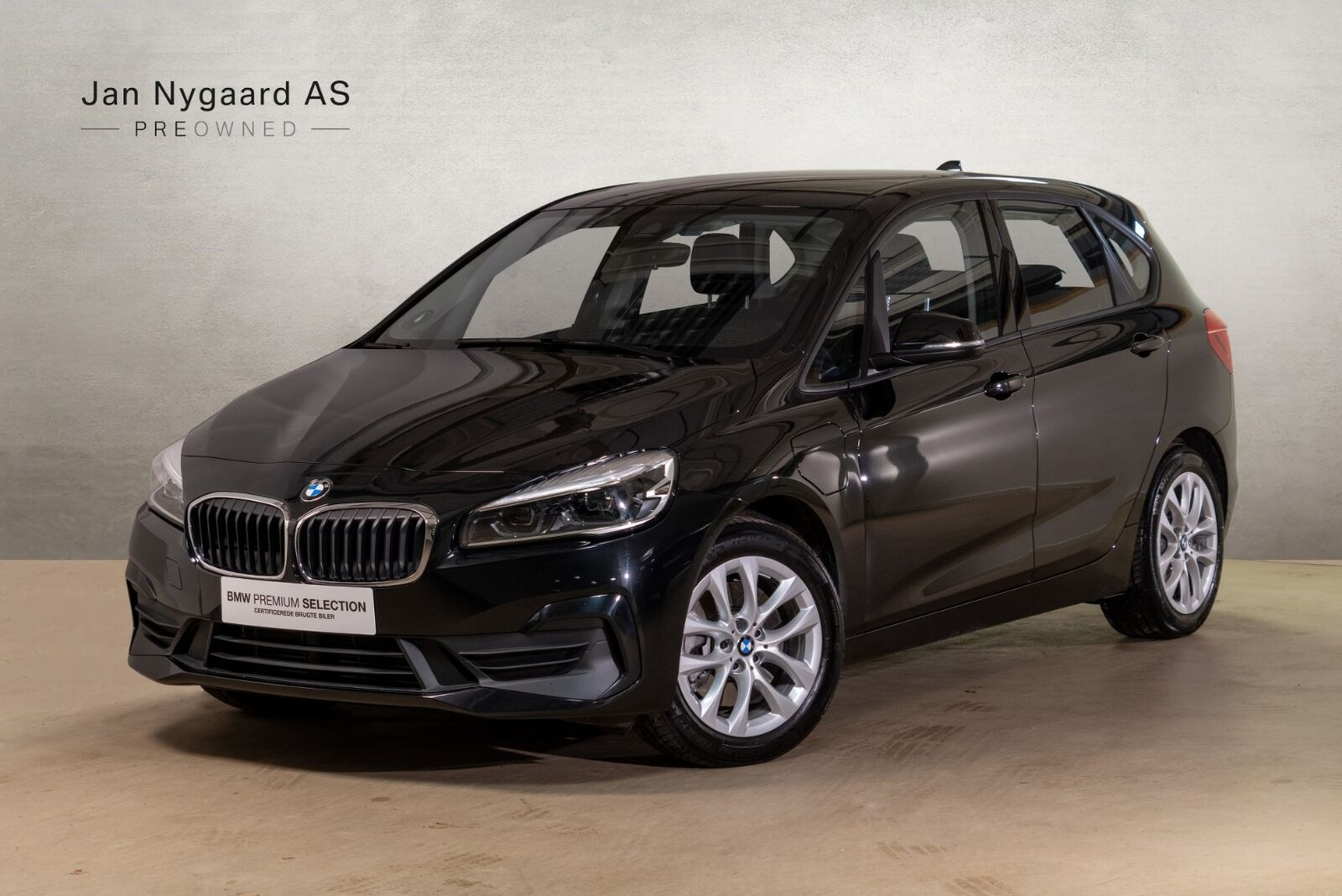 BMW 225xe 1,5 Active Tourer Connected aut. 5d - 299.000 kr.