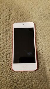Apple-iPod-touch-5th-Generation-Red-32-GB-with-OtterBox-Defender-Case-Bundle