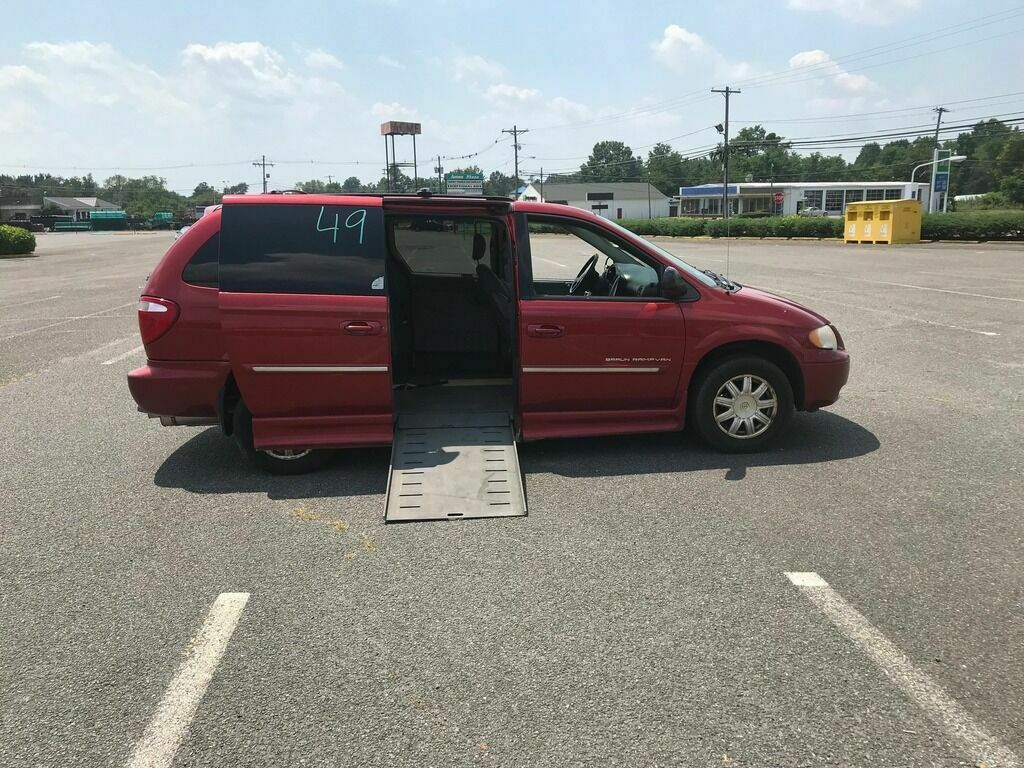 2006 Chrysler Town and Country Touring 4dr Extended Mini Van