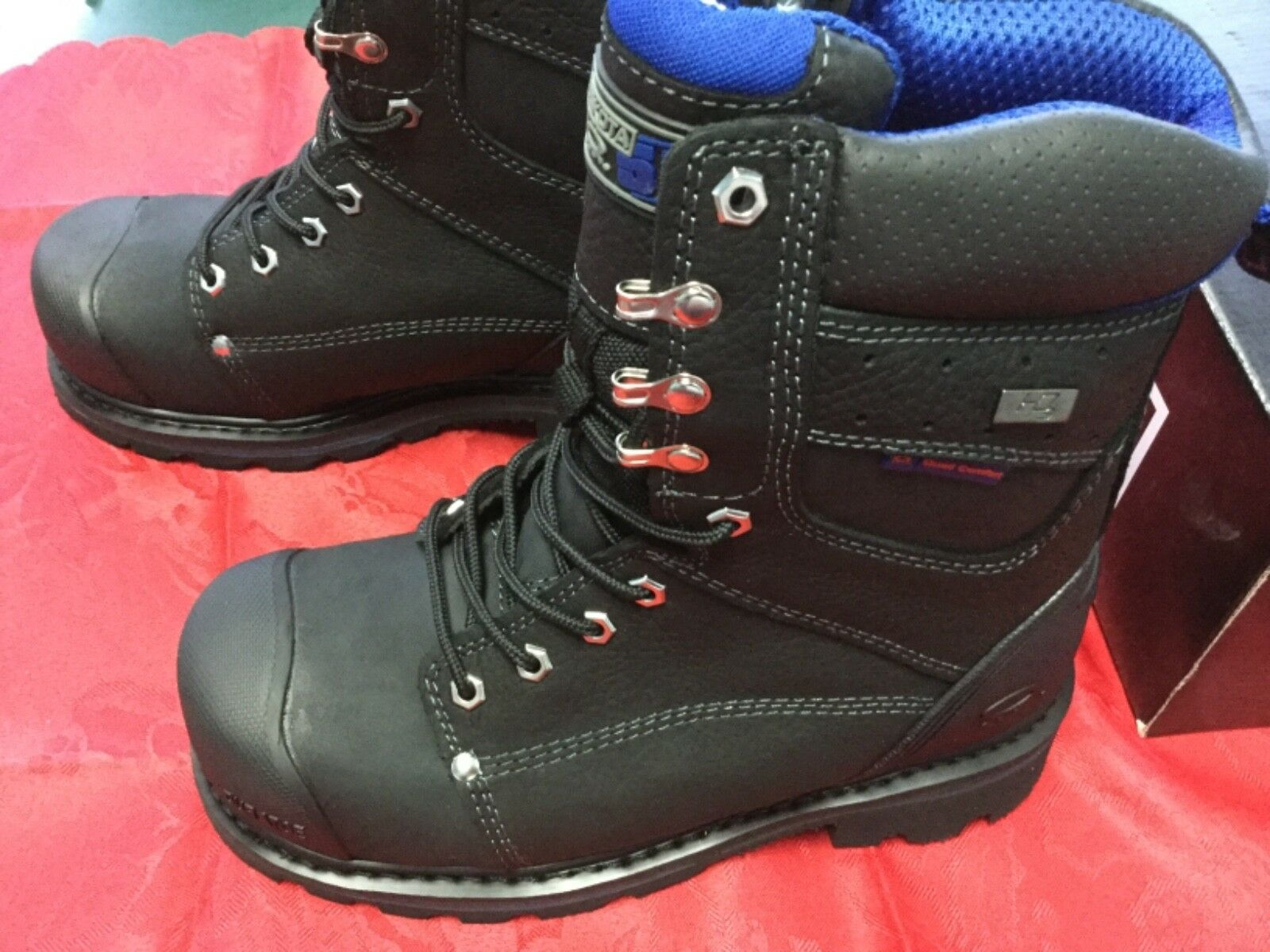 Dakota Men's safety boots 7.5 New In Box style 5ANADK3-8557