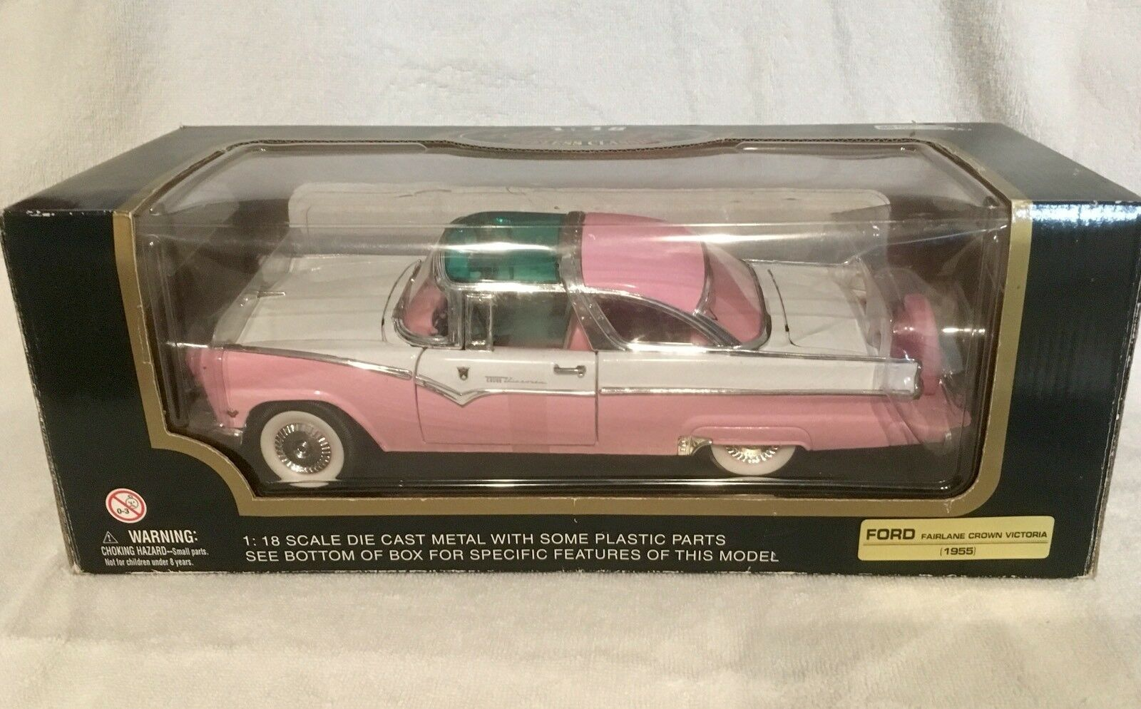 VINTAGE MINT IN BOX 1955 FORD FAIRLANE CROWN VICTORIA 1 18 SCALE MODEL