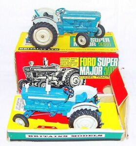 Details about 2 Britains Ltd 1:32 FORD SUPER MAJOR 5000 DIESEL TRACTOR 9527  1x Boxed `65 Nice!