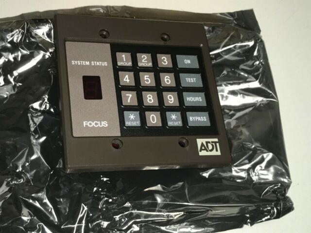471210-F Focus 4-Line LCD Keypad