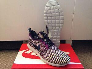 wholesale dealer 63fd5 14526 Image is loading Nike-Flyknit-Rosherun-Roshe-Dark-Obsidian-Flash-Volt-