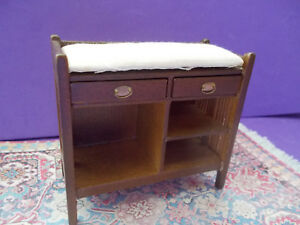 1//12 SCALE END TABLE NEW CONCORD OLD STOCK IN ORIGINAL BOX