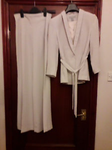 H&M Ladies Trouser suit oatmeal...ideal event-special occasion christmas outfit
