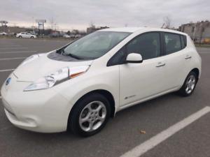 2015 Nissan Leaf SV. Électrique
