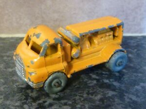 VINTAGE LESNEY MATCHBOX No.28 BEDFORD COMPRESSOR TRUCK YELLOW BODY