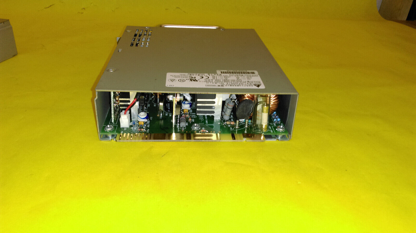 New in Box Delta Electronics EDPS-215AB 200W 12V 17.5A Switch Power Supply