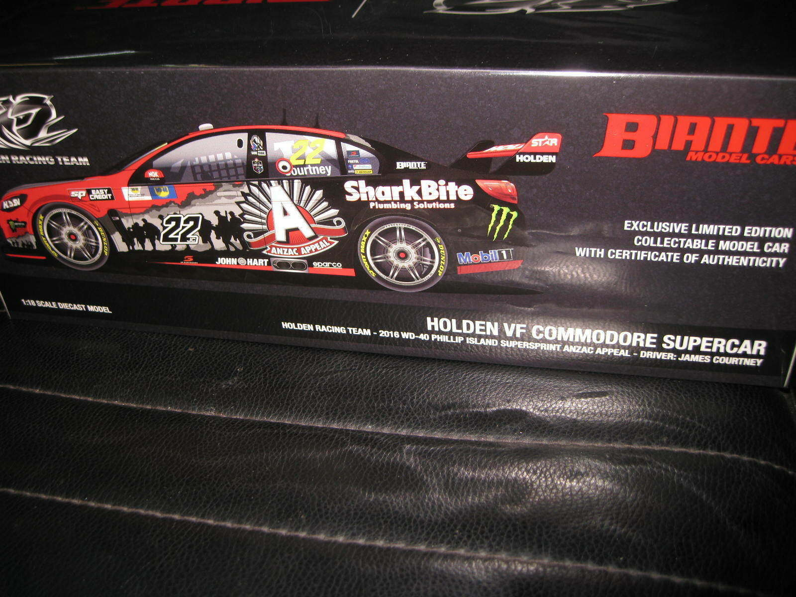BIANTE 1 18 J COURTNEY  22 HOLDEN COMMODORE 2016 V8 SUPERCAR ANZAC APPEAL LIVERY