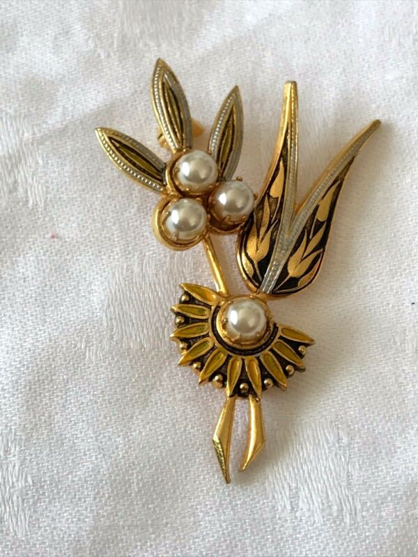 """Art Deco Floral Brooch Gold And Black Tone With Pearl Beads 2"""""""