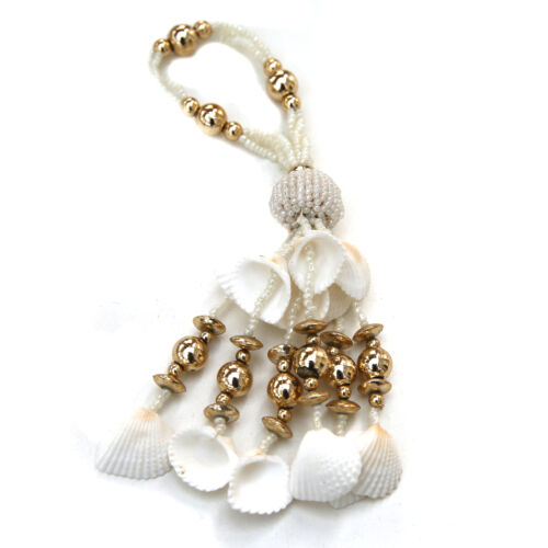 Shabby chic perle de verre fil et pompons pour décoration.