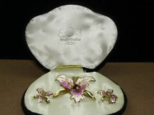 VINTAGE-034-STYLE-GUILD-ORIGINAL-034-ORCHID-PIN-amp-MATCHING-EARRINGS-NEW-OLD-STOCK-OB