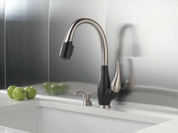 DELTA FUSE® 19959 CRACKED PEPPER BRILLIANCE STAINLESS PULL-DOWN KITCHEN FAUCET Z
