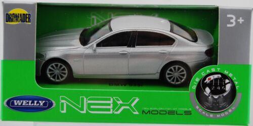 BMW 535i Coche de Metal Plateado 1:43 Welly Nuevo En Caja