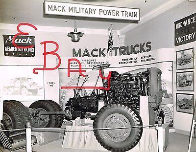 WWII 8X10 PHOTO OF US BOND TOUR MACK TRUCKS EXHIBIT VERY INTERESTING VIEW LOOK