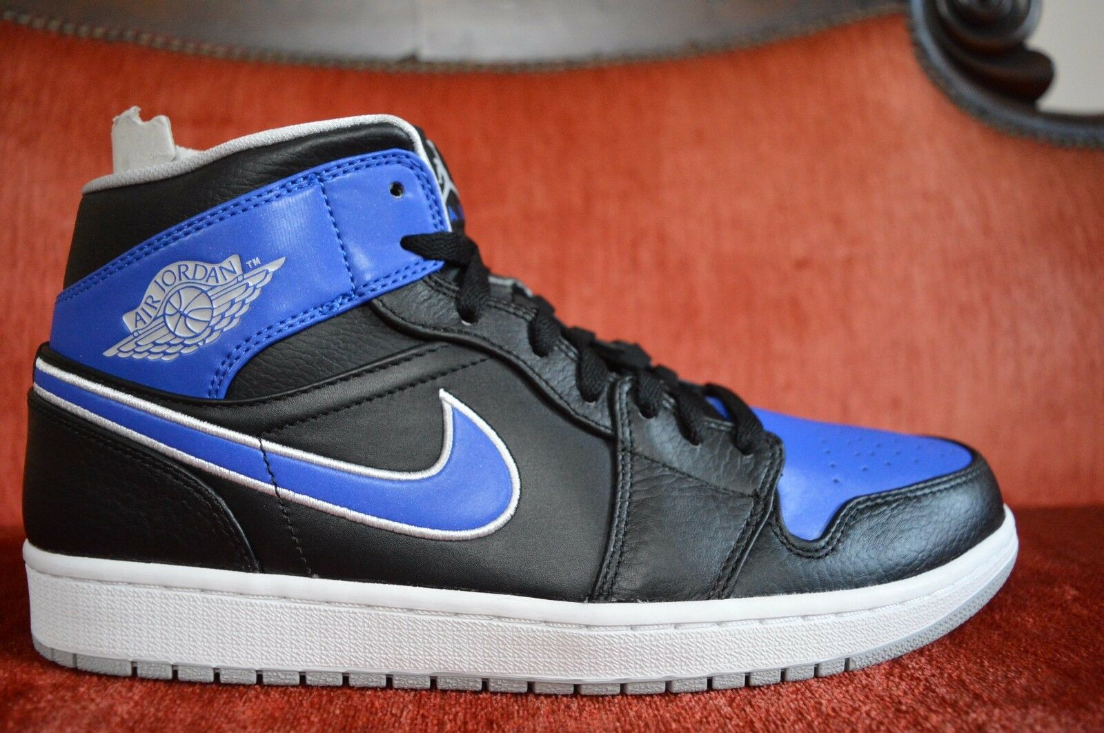 NIKE AIR JORDAN 1 MID BLACK GAME ROYAL 554724-007 high bred banned hare 11.5 NEW