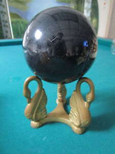 PEDESTAL-BLACK-GLASS-BALL-ON-METAL-SWAN-STAND-5-X-9-034-034-PAPERWEIGHT-FIGURINE