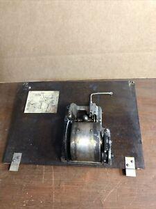 Vintage-VV-80-81813-PHONOGRAPH-part-Motor-amp-Board