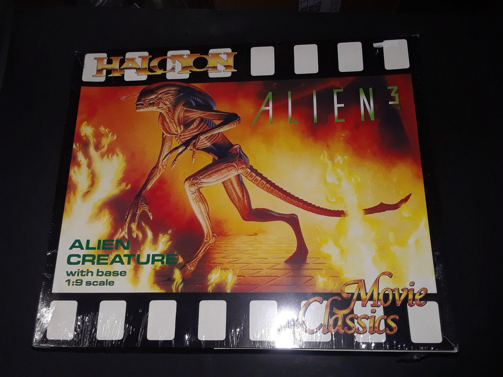 Halycon Movie Classics alien 3 w  base 1 9 scale vintage