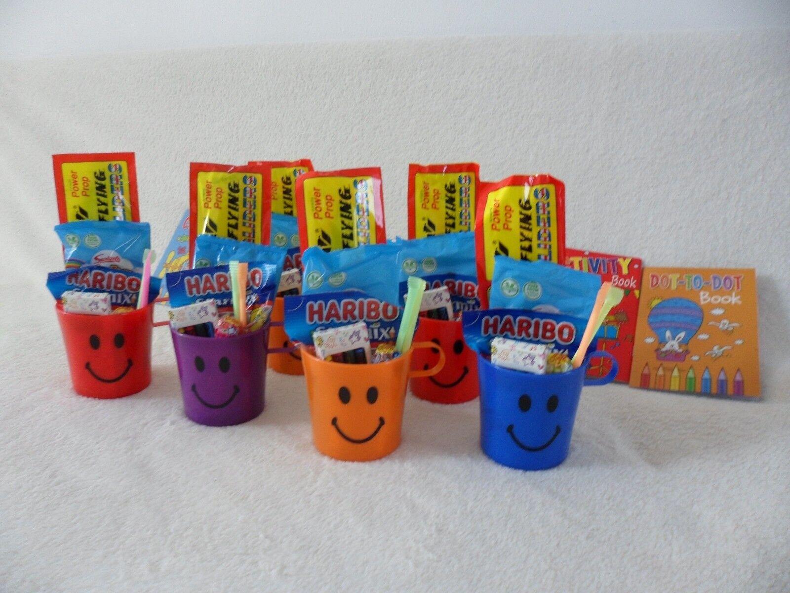 10x 50x Pré Rempli Party Sacs Smiley gobelets gobelets Smiley en plastique anniversaire Garçons & Filles a28cad