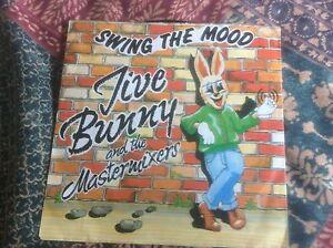 Jive-Bunny-amp-The-Mastermixers-7-034-45-rpm-PS-Vinyl-Swing-The-Mood-1989