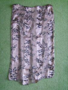 Superbe-foulard-en-soie-034-Marc-Rozier-034-marron-et-noir-imprime-129-cm-X-38-cm