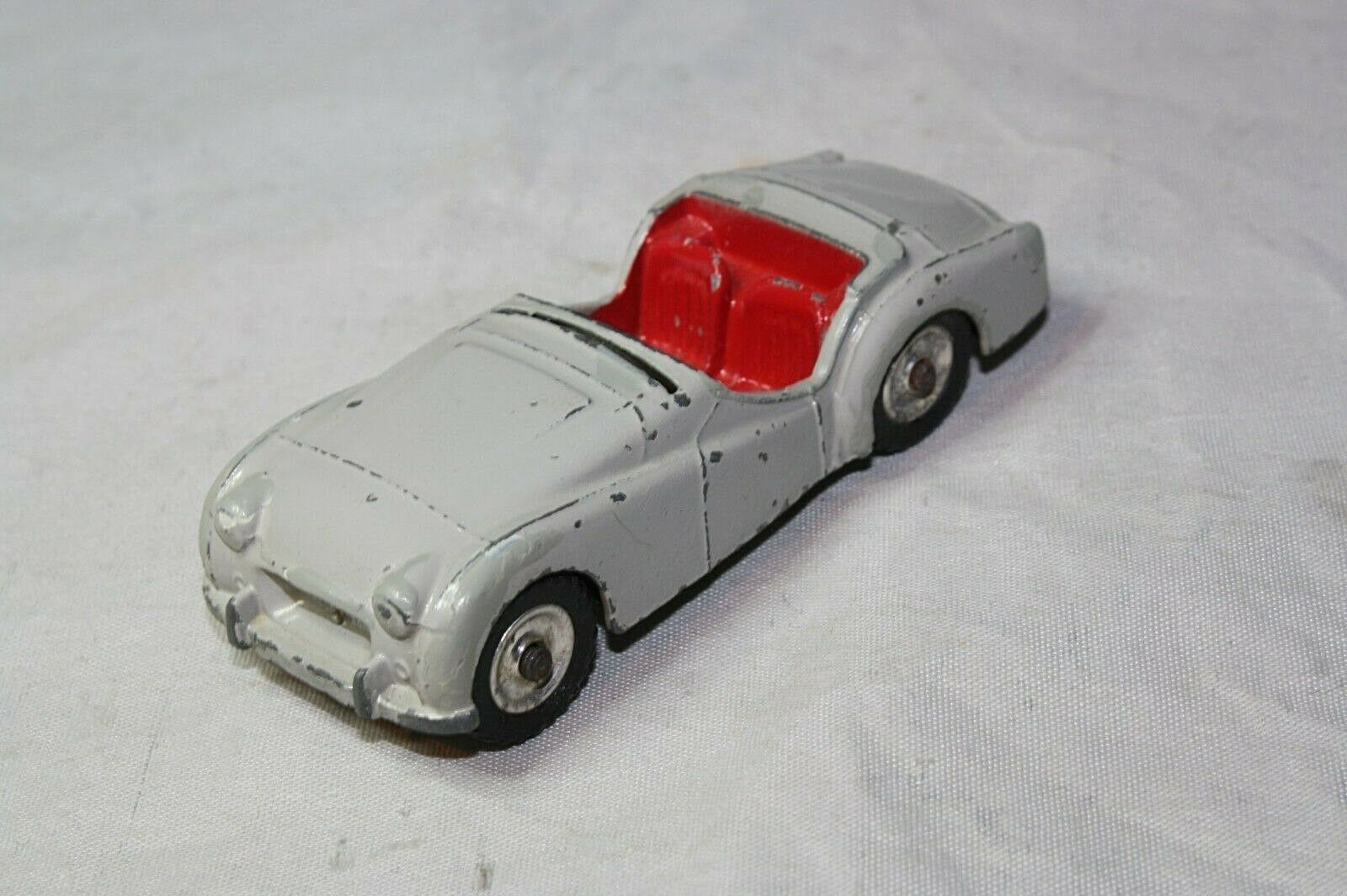 Dinky 105 Triumph TR2 (Touring)