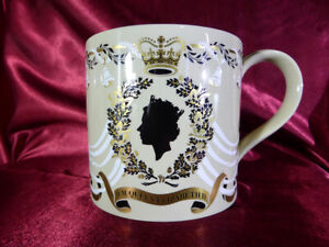 Vintage-Wedgwood-MUG-Queen-Elizabeth-II-amp-Prince-Philip-25th-Wedding-Anniversary