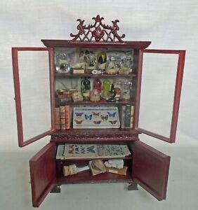 à Condition De Dollhouse Miniature Bespaq Museum Collector's Darwinienne Armoire Vitrine-afficher Le Titre D'origine RafraîChissant Et BéNéFique Pour Les Yeux