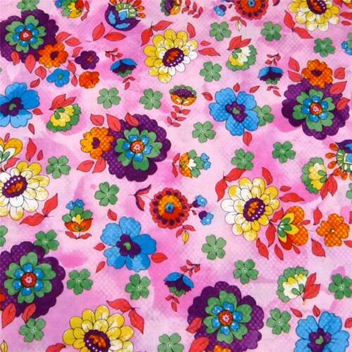"""/""""Quilting Bee/"""" by FabriQuilt Cotton Fabric Bright /& Fun Pink Floral BTY"""