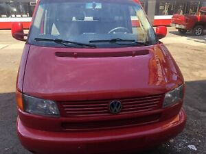 2000 Volkswagen Eurovan with Bed and Table