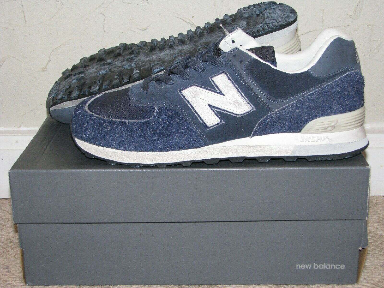 Invincible x New Balance ML574INV Navy bluee Sail Mens Size 10.5 DS NEW  576 580