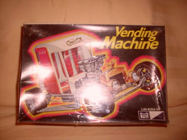 VERY RARE MPC COCA COLA VENDING MACHINE 1/25 SCALE KIT  NEW IN BOX