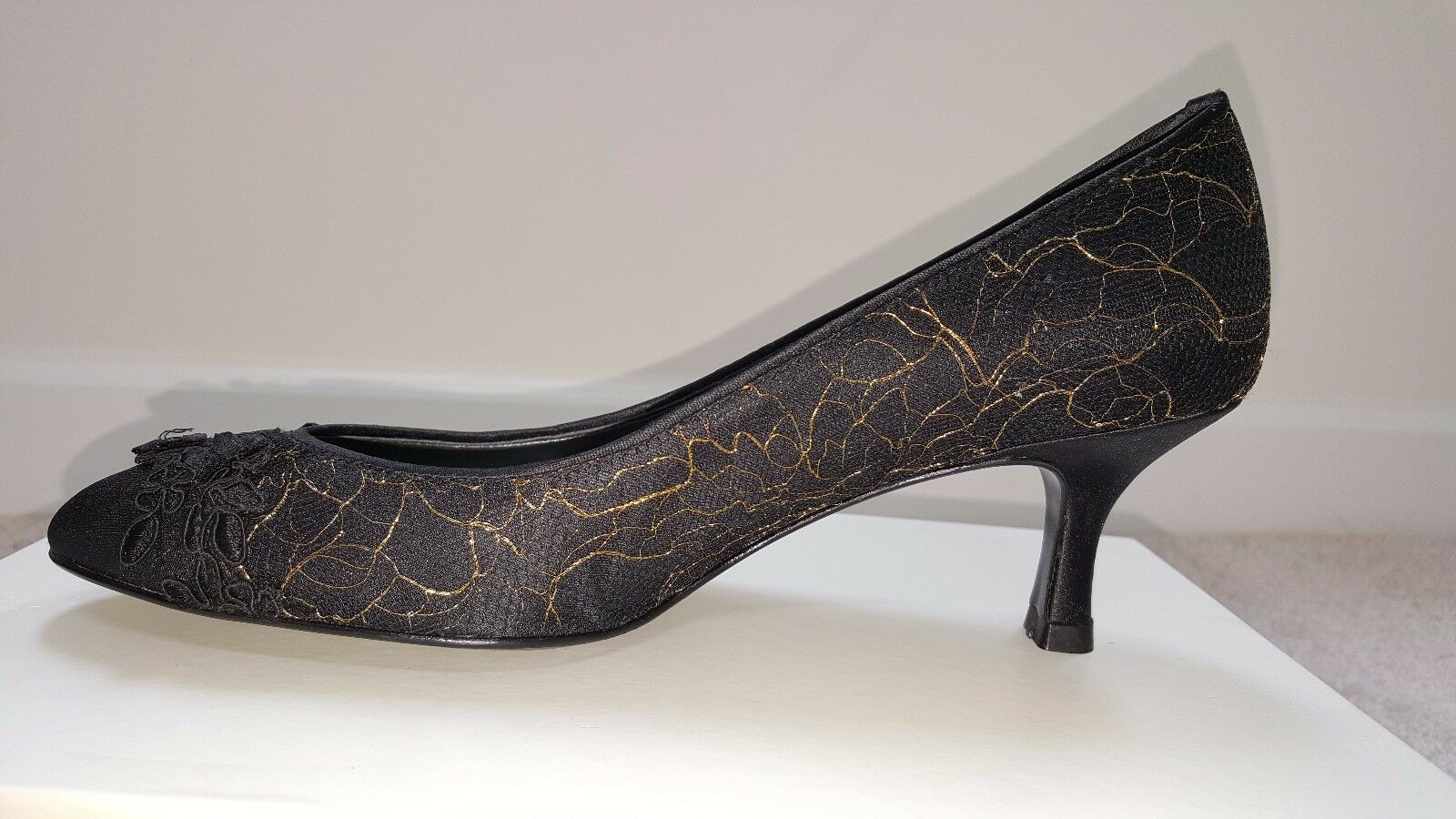 NEW Delman Black and gold Lace  Pumps, Size 36 1 2