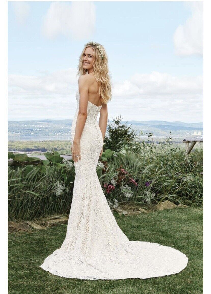 *NEW WEDDING DRESS* Only Selling As I Went With A Different Style. Paid +.