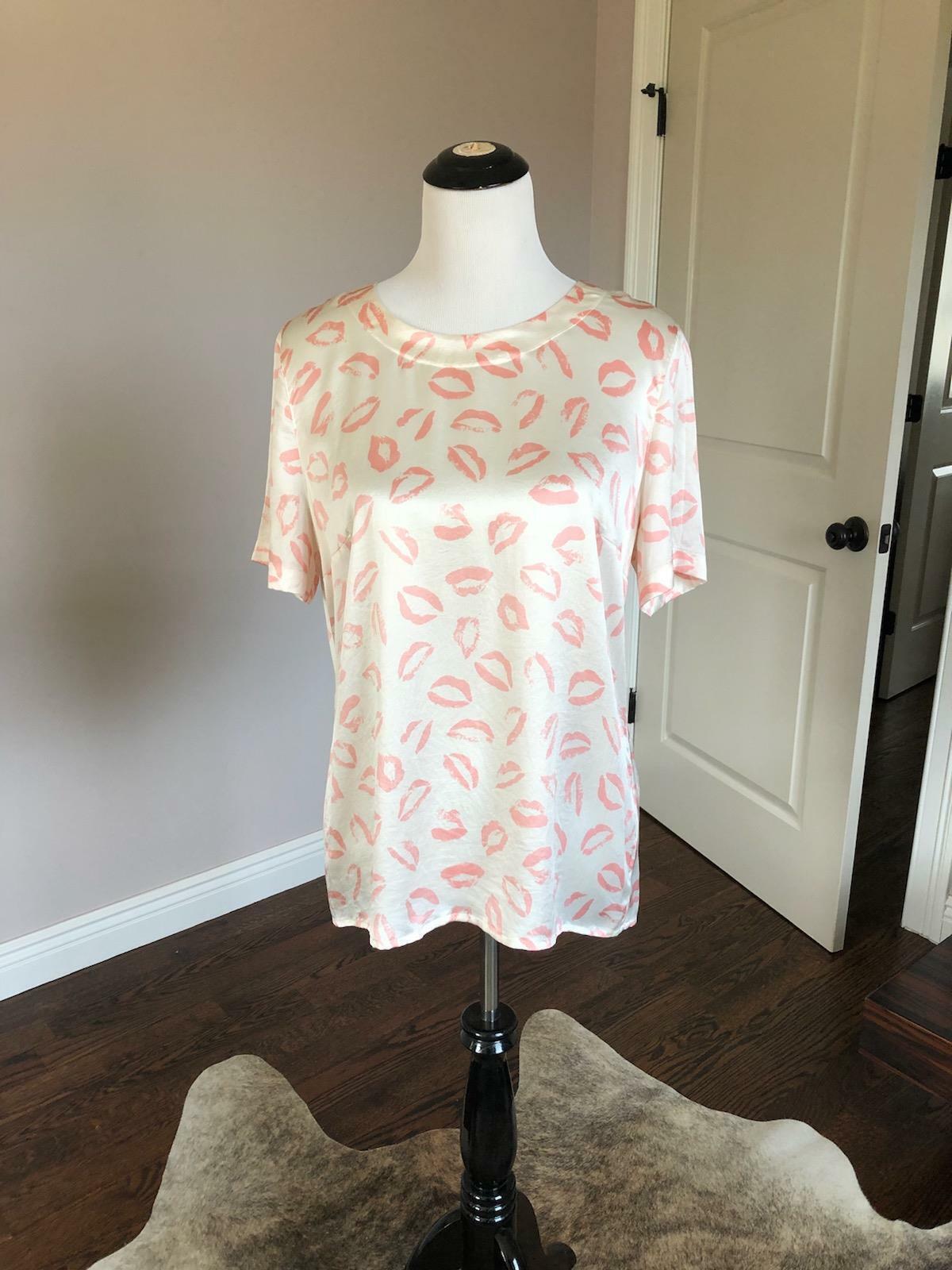 NWOT VTG ESCADA by Margaretha Ley Cream 100% Silk  Lip Print T-shirt SZ US 12