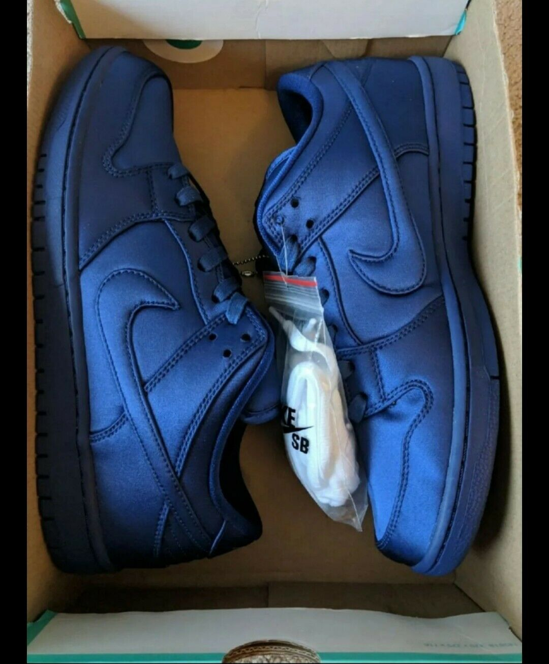 NIKE SB Dunk Low TRD x NBA shoes  Satin Jakcet  SIZE 10