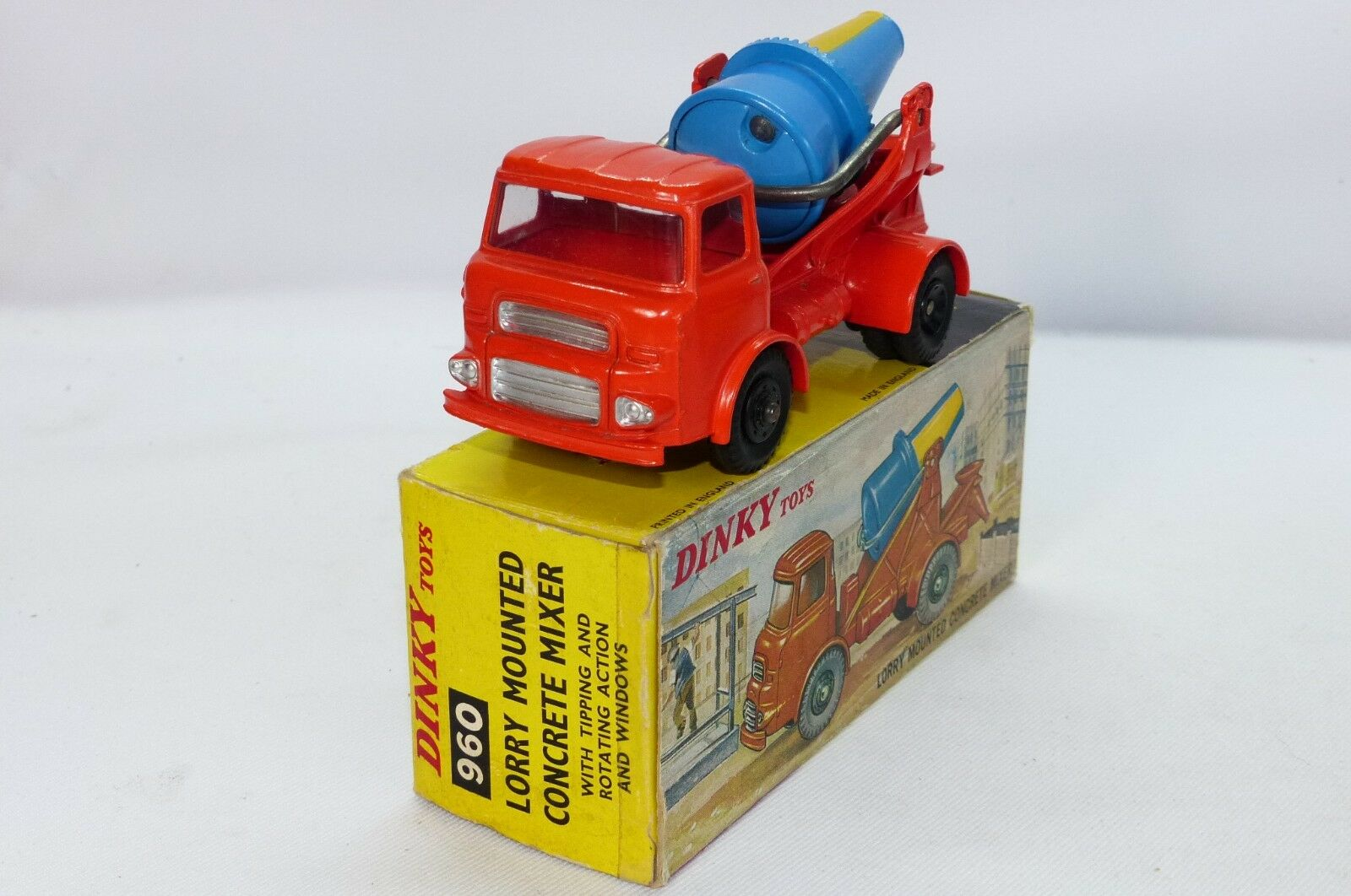 Dinky Toy No 960 is the last edition model of the Leyland Concrete mixer VNMB