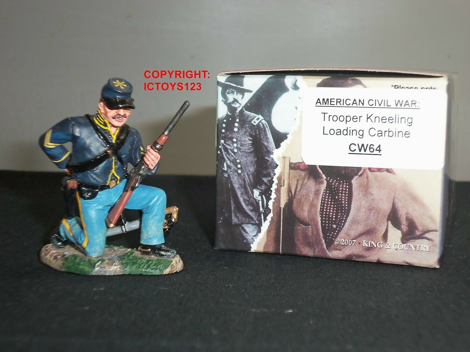 KING AND COUNTRY CW64 AMERICAN CIVIL WAR UNION TROOPER KNEELING LOADING CARBINE