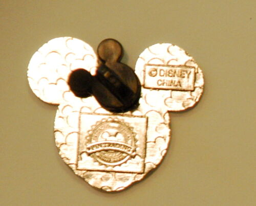 Random Selection Disney Pin Lot of 50 Pins Grab Bag