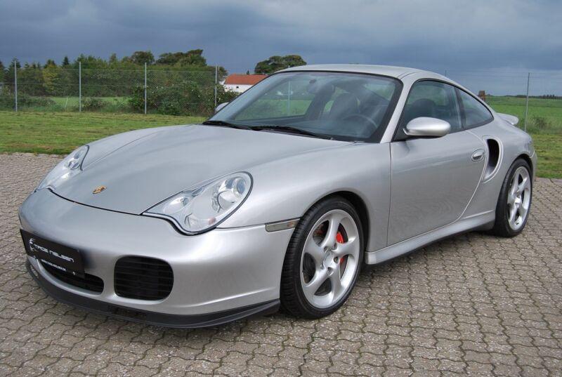 Porsche 911 Turbo Coupé - 4